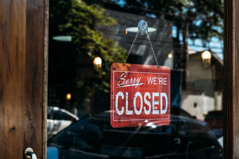 Các hệ thống bán lẻ tại Anh Quốc đóng cửa trước tình hình căng thẳng của dịch Covid-19
