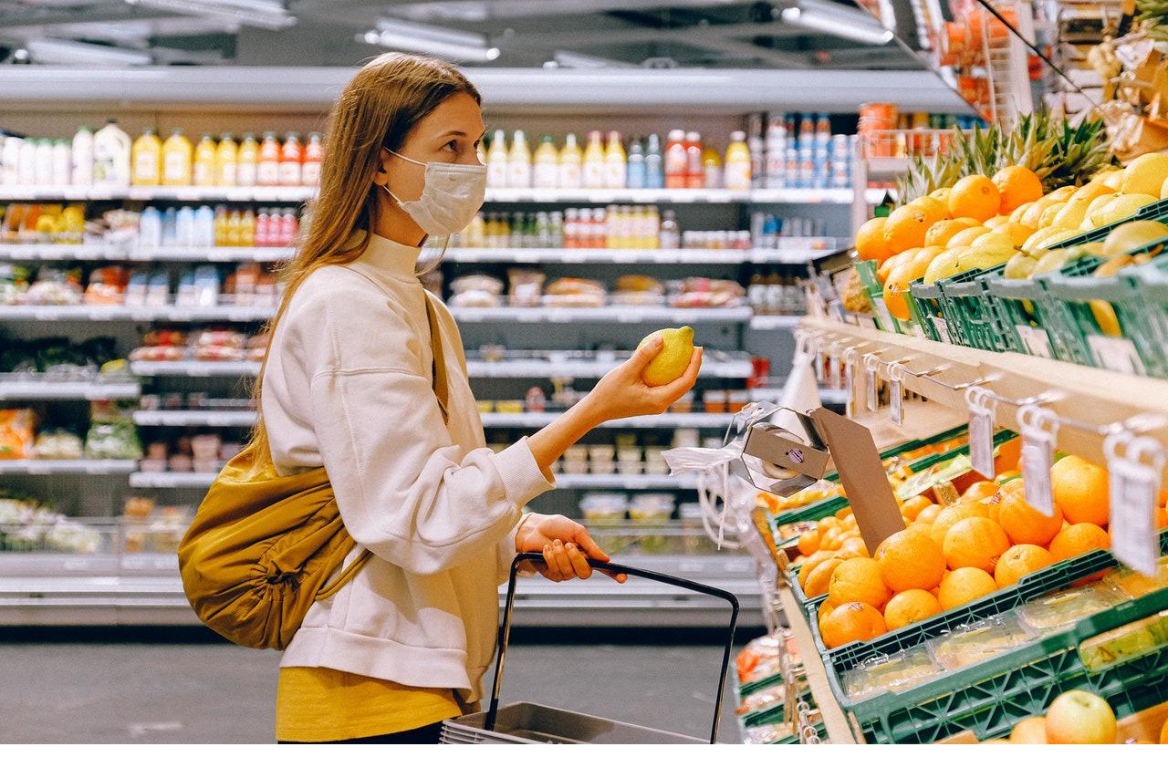 Người dân Anh được khuyến khích giảm thiểu mua sắm trực tiếp tại các cửa hàng