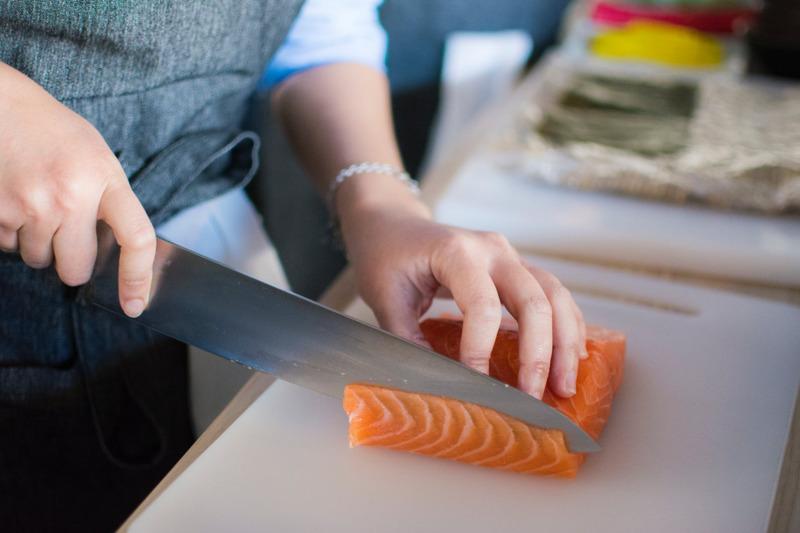 Nguồn cá biển ngày càng cạn kiệt đã thúc đẩy các doanh nghiệp sáng tạo loại thực phẩm mới